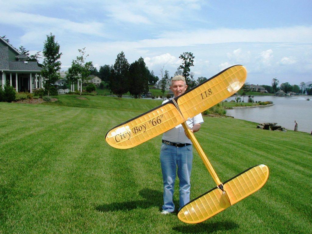 Larry Davidson with Civy Boy 66   Model Flight